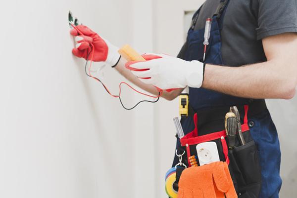 pronto intervento elettricista - Impianti elettrici industriali